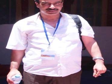 وفاة المصور الصحافي عبد العزيز لمزوق بعد صراع مرير مع المرض